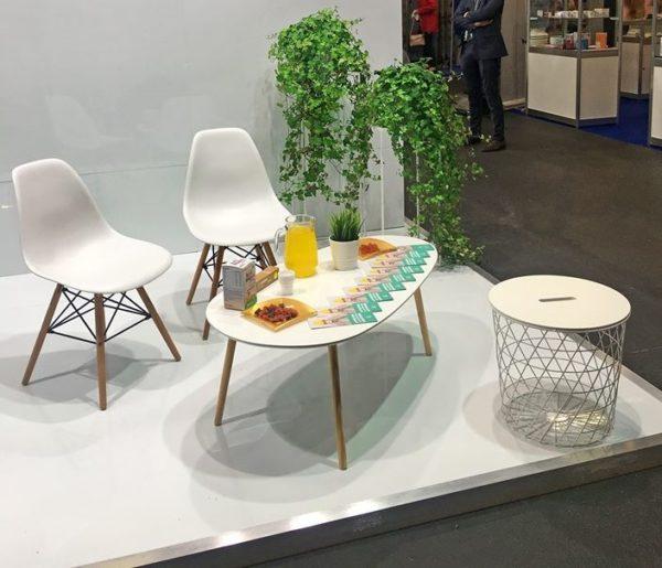 Balts kafijas galds L